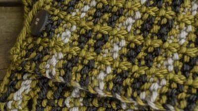 crossed furrows cowl detail, plaid look